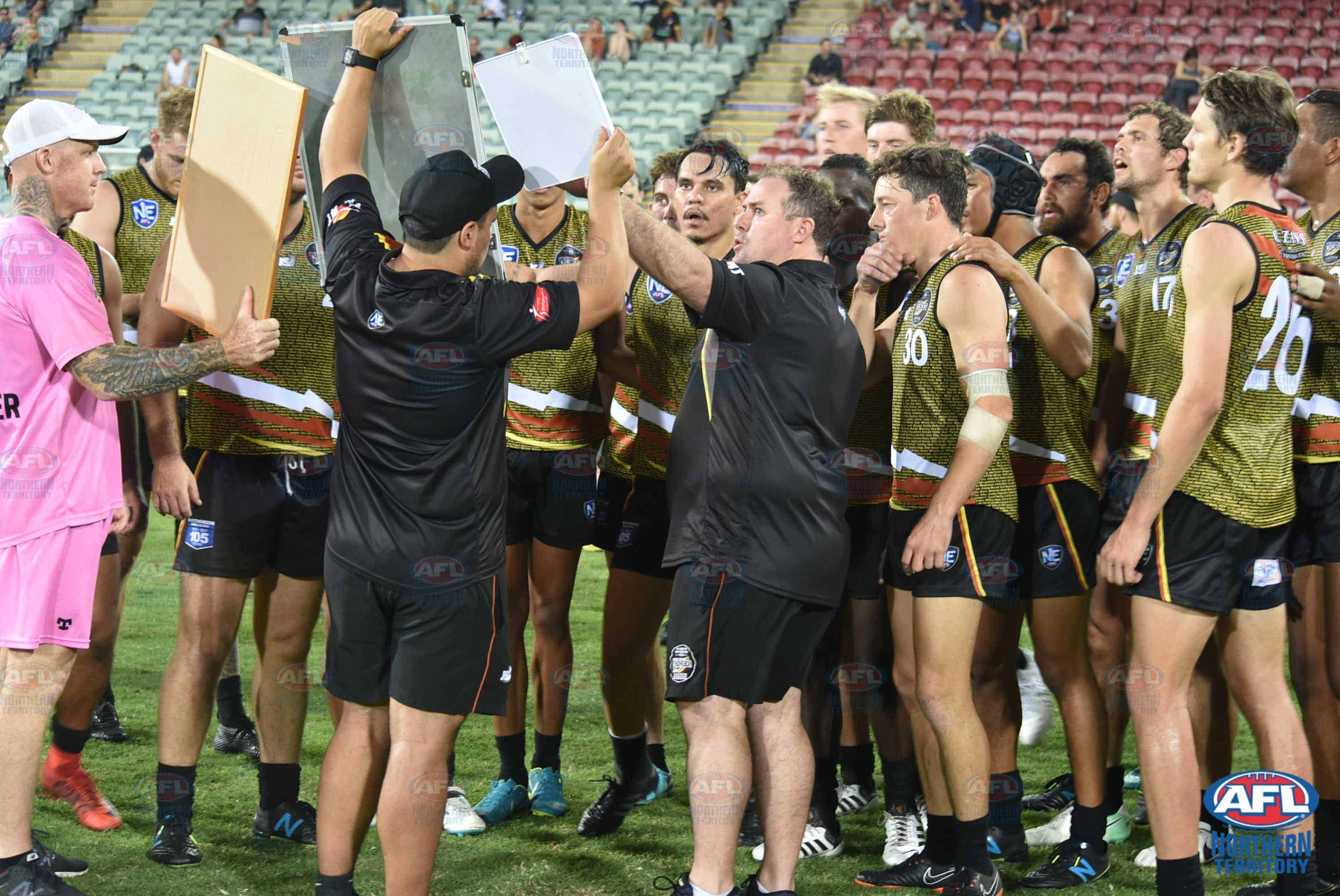 Hodges addressing the players