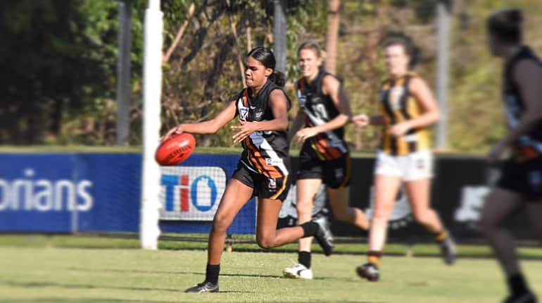 Janet Baird in action for NT Thunder